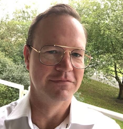 Berry, 45 jaar uit Schiedam, raakte tijdens het PathWays-programma in de ban van Salesforce en volgt nu de opleiding Applicatiebeheer bij TechGrounds. Inmiddels heeft hij zijn 1e certificaat Salesforce Certified Administrator 'in the pocket'!